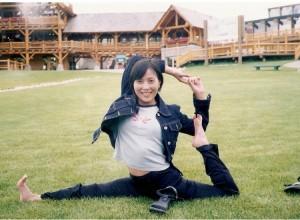 2000_Canada_pose_5